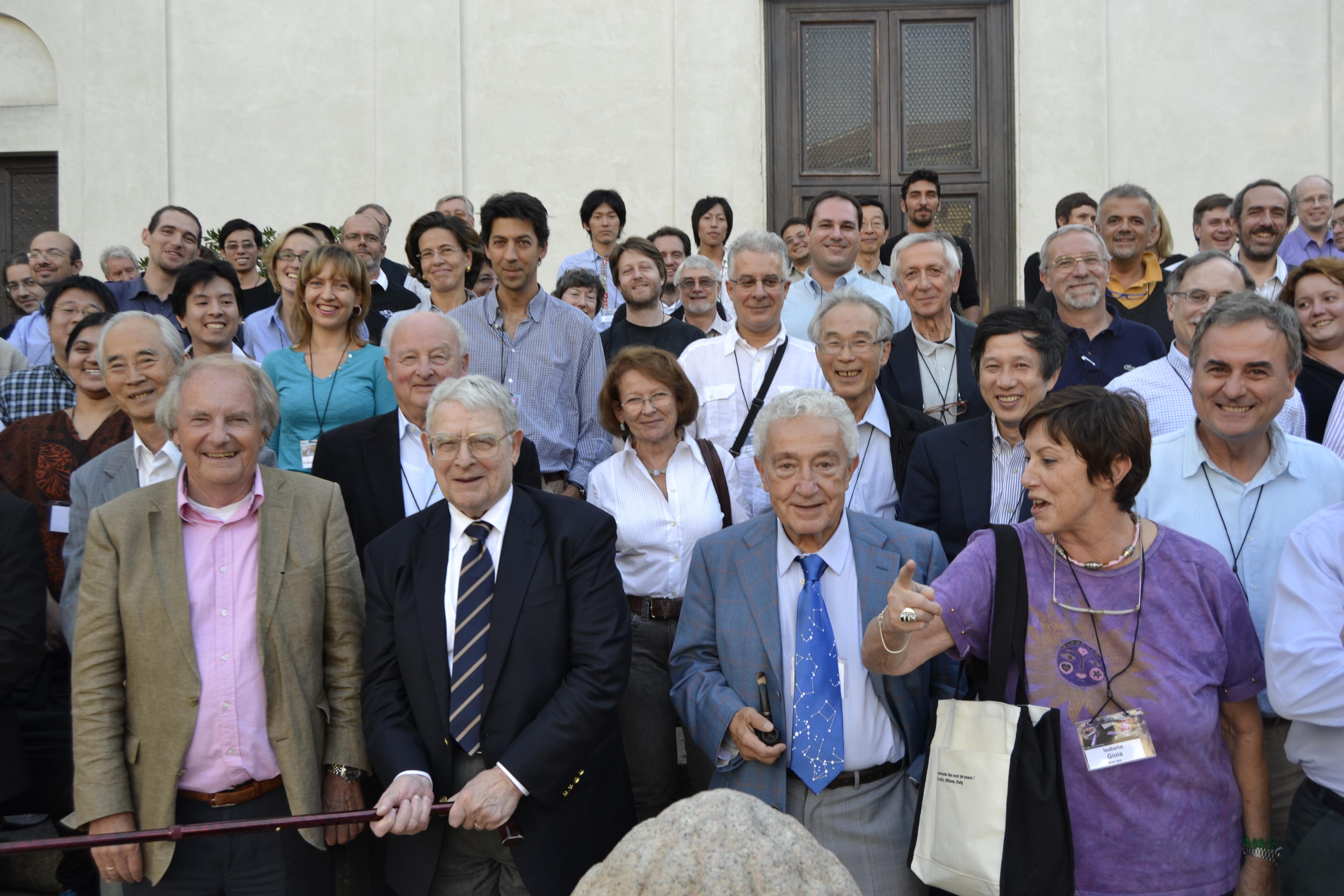 Particolare: foto di gruppo - Riccardo