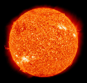 The_Sun_by_the_Atmospheric_Imaging_Assembly_of_NASA's_Solar_Dynamics_Observatory_-_20100819-02