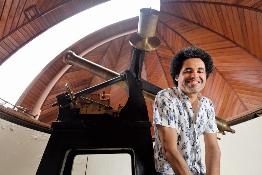 Alan-Alves-Brito-telescopio